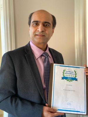 aravind-desai-with-certificate